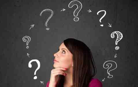 Comment posez-vous une question aux cartes?